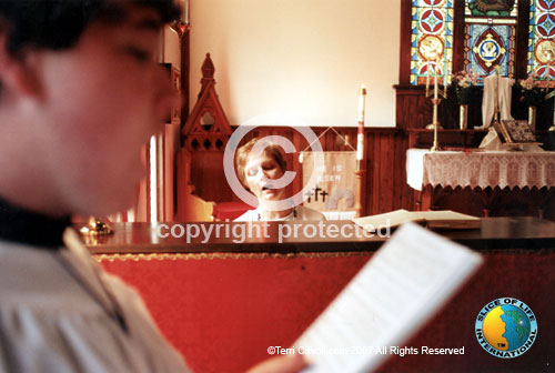 4.-Singing-His-Praise