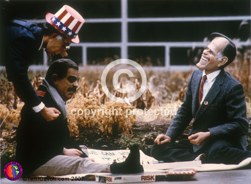 _2.-Saddam-and-George-Sr